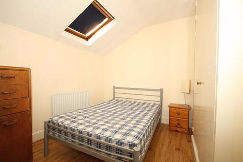 2 bedroom flat to rent - Edgeley Road, London