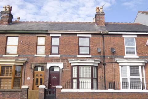 2 bedroom terraced house - Ashbourne Road, Leek, Staffordshire