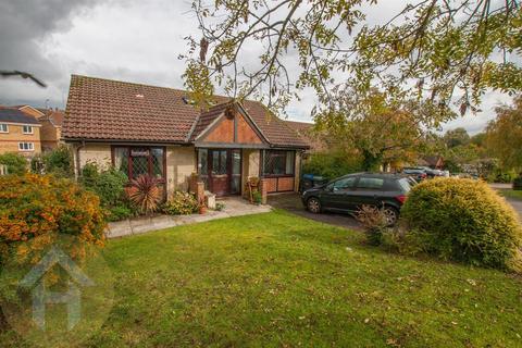 4 bedroom detached house for sale - Fox Brook, Royal Wootton Bassett, Swindon
