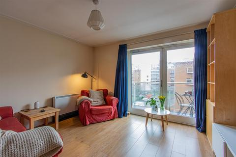 1 bedroom flat to rent - 41 Faro HouseTalisien CourtChandlery WayCentury WharfCardiff