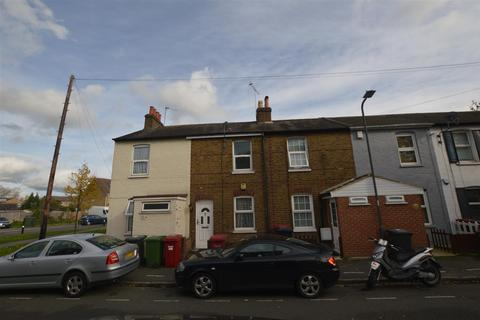 2 bedroom terraced house for sale - Victoria Road, Slough