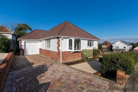 2 bedroom detached bungalow for sale - Hanover Close, Bexhill-On-Sea