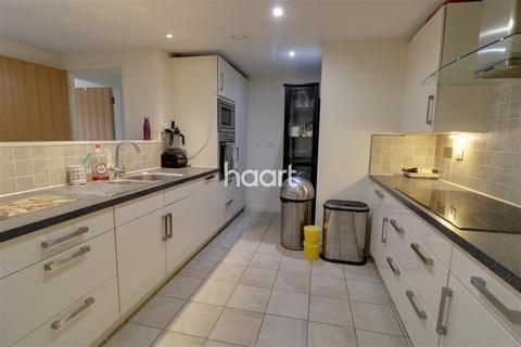 3 bedroom flat to rent - Paramount, Beckhampton Street