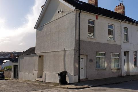 2 bedroom flat - Main Street, Barry, The Vale Of Glamorgan. CF63 2HJ