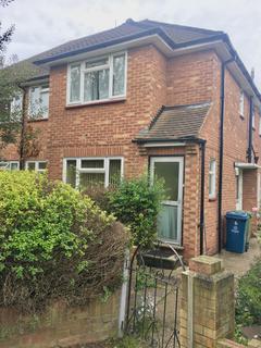 2 bedroom flat to rent - Harrow, Middlesex, HA2