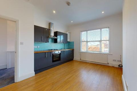 2 bedroom flat to rent - St. Aubyns Road, Crystal Palace, London, SE19