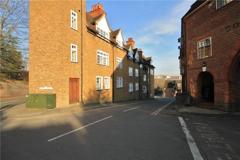 Studio to rent - Wycliffe Buildings, Guildford, GU2