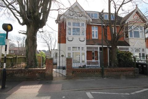 2 bedroom flat to rent - 18 St Clements Road , Boscombe , Bournemouth