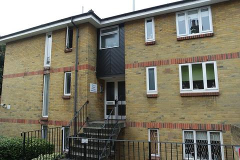 1 bedroom flat to rent - 25 a Denton Street, London