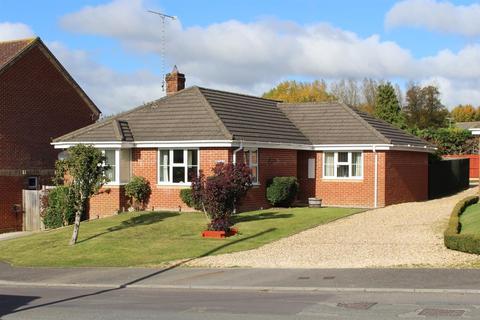 3 bedroom detached bungalow for sale - Figheldean, Salisbury