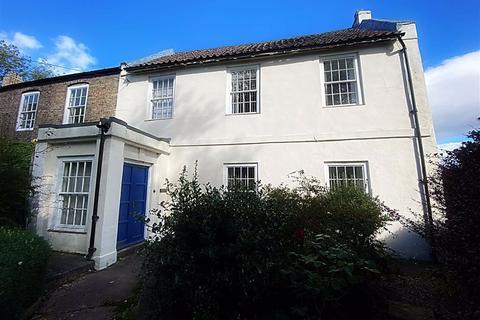 4 bedroom semi-detached house for sale - The Green, Wallsend, Tyne & Wear, NE28