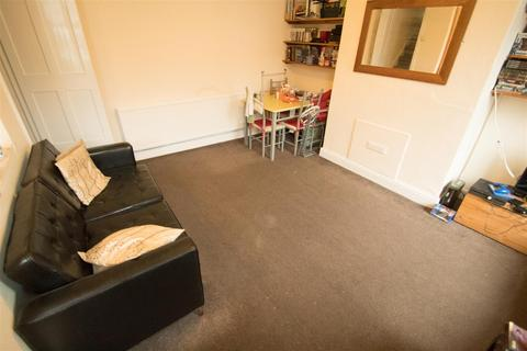 2 bedroom terraced house to rent - Trelawn Avenu,e, Headingley, LS6