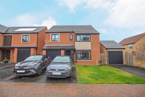 4 bedroom detached house for sale - Brambling Place, North Gosforth, Newcastle Upon Tyne