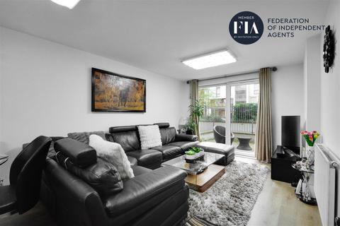 3 bedroom apartment for sale - Laval House, Great West Quarter, Brentford