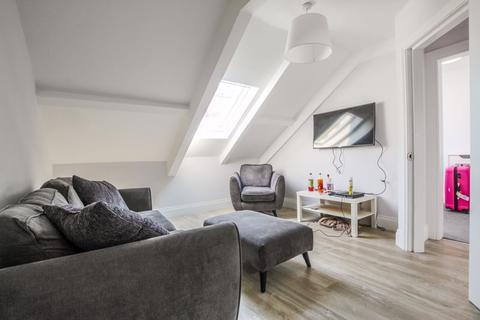 2 bedroom apartment to rent - Manor House Road, Jesmond - 2 Bedrooms - 104pppw