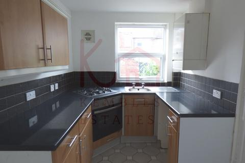 2 bedroom terraced house to rent - 13 Montague Street, Town Centre