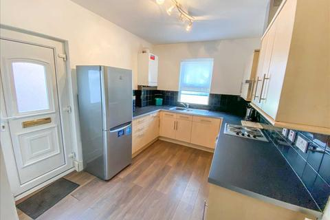 1 bedroom apartment - Linacre Road, Bootle, Liverpool