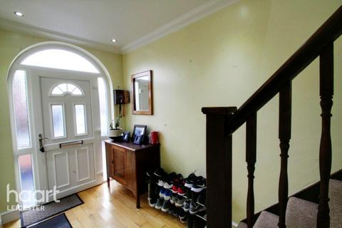 3 bedroom semi-detached house - Mary Road, Leicester