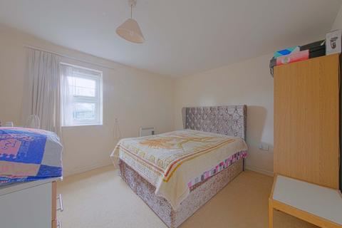 2 bedroom flat for sale - Bath Road, Cippenham, Slough, SL1 6BD