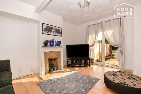 3 bedroom terraced house to rent - Becontree Avenue, RM8