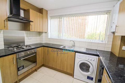 2 bedroom ground floor flat for sale - Langley, London Road - Open & Operating As Normal