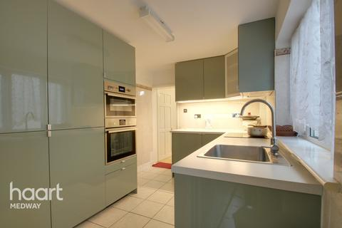 3 bedroom terraced house for sale - Saxton Street, Gillingham
