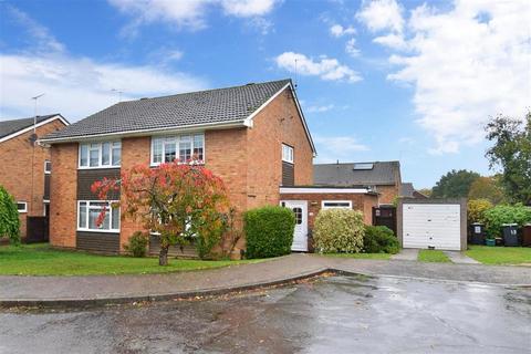 3 bedroom semi-detached house for sale - Welton Close, Tonbridge, Kent