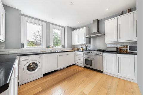 4 bedroom flat for sale - Weir Road, SW12
