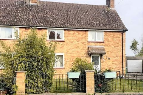 3 bedroom semi-detached house for sale - Anstey Close, Waddesdon, Buckinghamshire. HP18 0NB
