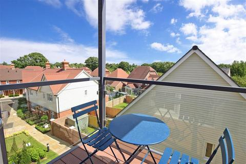 2 bedroom flat for sale - The Boulevard, Horsham, West Sussex