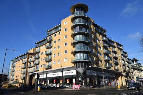 2 bedroom flat for sale - Berberis House, Highfield Road, Feltham, Middlesex, TW13