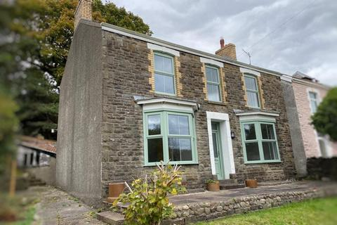 4 bedroom detached house for sale - Main Road, Cadoxton, Neath, Neath Port Talbot. SA10 8BL