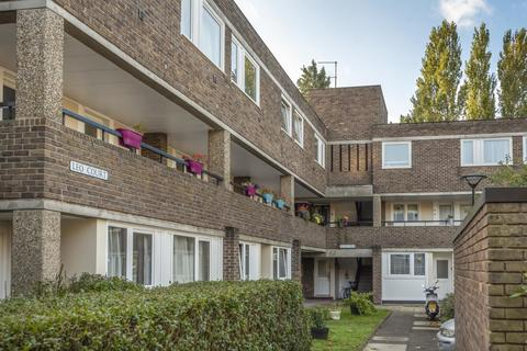 1 bedroom flat for sale - Augustus Close, Brentford
