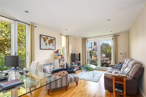 2 bedroom flat to rent - Grosvenor Court, 2 Wharf Lane, London, E14