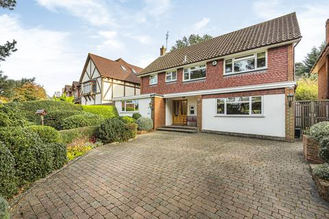 4 bedroom detached house for sale - Park Farm Road BR1
