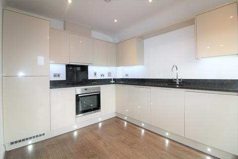 2 bedroom apartment to rent - Green Lanes, London, N13