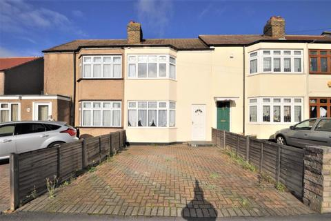 3 bedroom terraced house - Norman Road, Hornchurch, Essex, RM11
