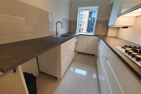 2 bedroom flat to rent - Tavistock Road, Croydon, CR0 2AT
