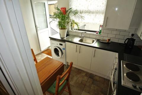 2 bedroom flat to rent - Hither Green Lane , Hither Green Lane , London SE13