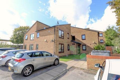 1 bedroom flat for sale - Arkley Road, London, London, E17 7PD
