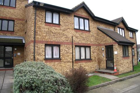 1 bedroom flat - Vignoles Road, Chadwell Heath RM7