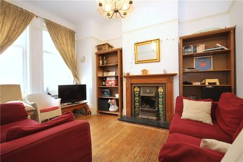 4 bedroom terraced house to rent - Amesbury Avenue, Streatham, SW2