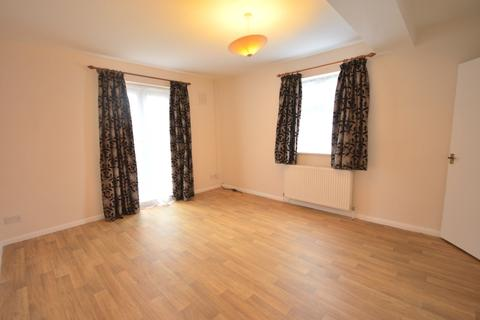 2 bedroom flat to rent - Brownhill Road Catford SE6