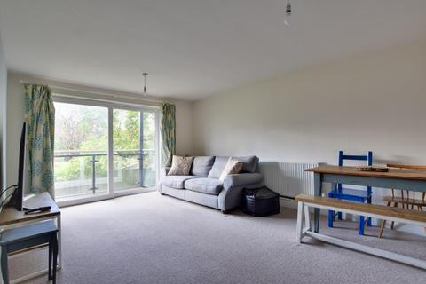 2 bedroom apartment to rent - Wallace Close, Uxbridge, Middlesex UB10 0SB