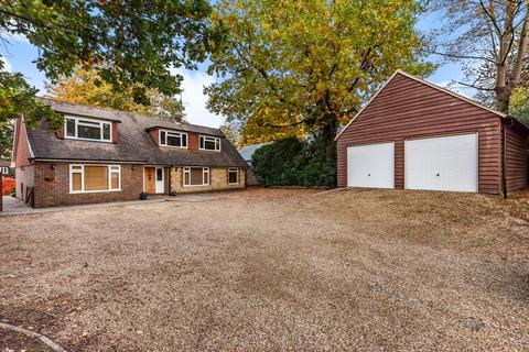 5 bedroom detached house for sale - Storrington - spacious 5 Bedroom Family Home