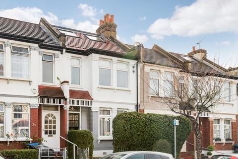 4 bedroom terraced house - Dalmally Road, Croydon