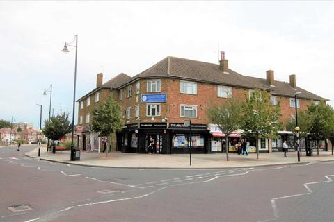 2 bedroom apartment to rent - Station Road, Romford