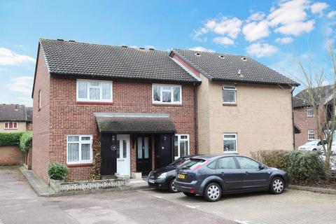 2 bedroom terraced house to rent - Hereward Green, Loughton, IG10