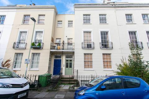 2 bedroom apartment to rent - Montpellier Villas, Cheltenham GL50 2XF