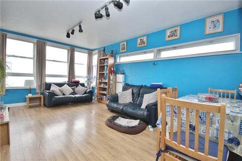 2 bedroom apartment - Isobel House, Staines Road West, Sunbury, Middlesex